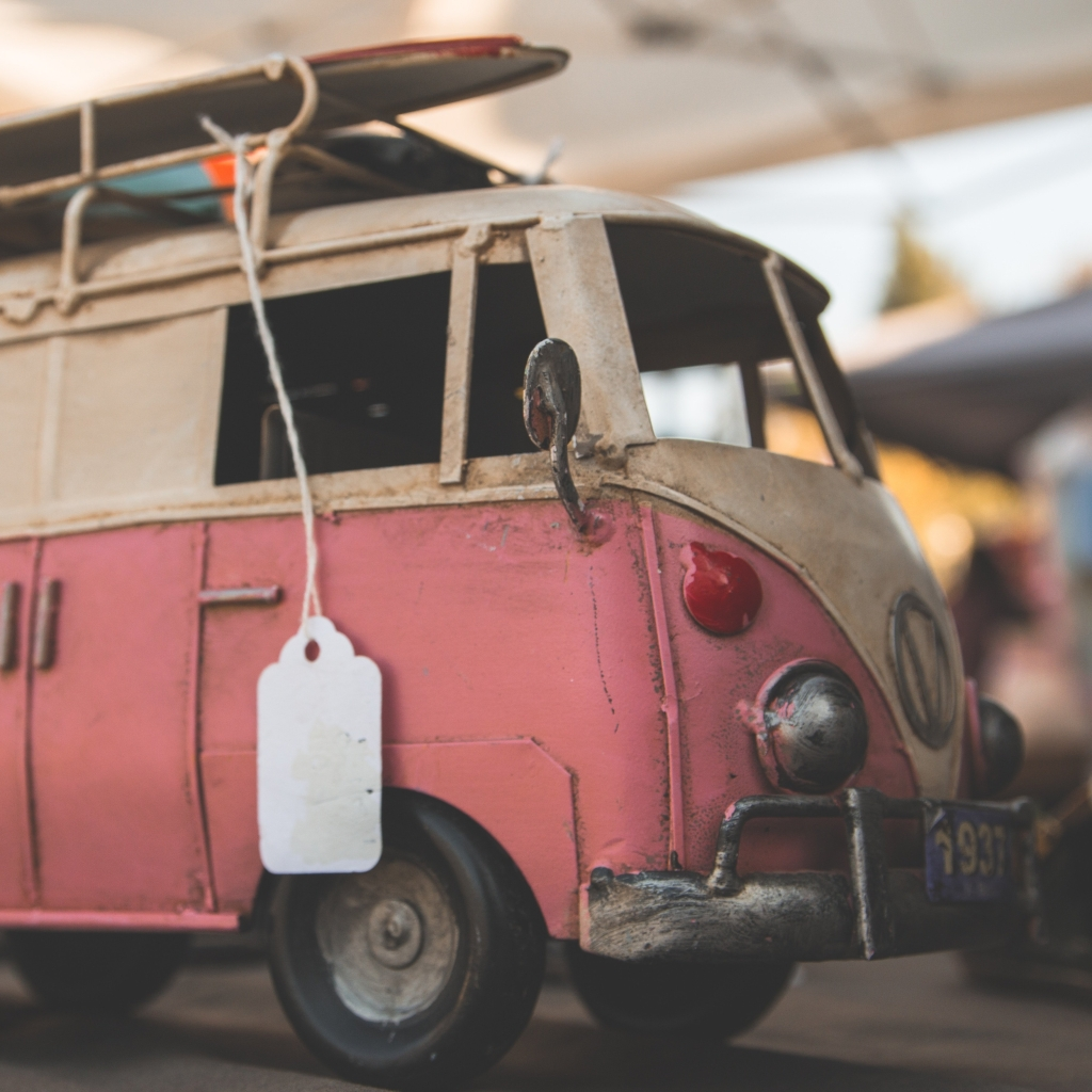 kombi van with a price tag